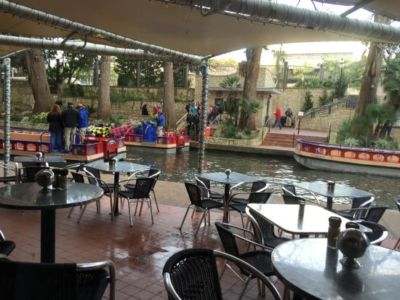 Rivers Edge Cafe Outside-dining-riverwalk