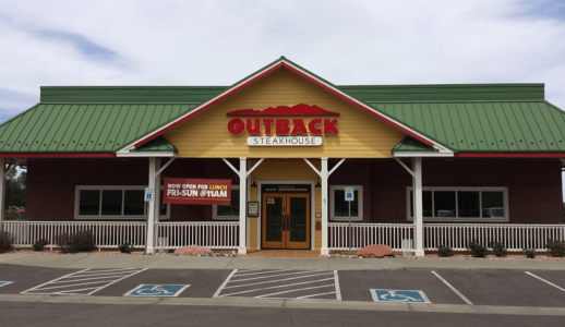 Outback-steakhouse-Rohnert Park- From Outside
